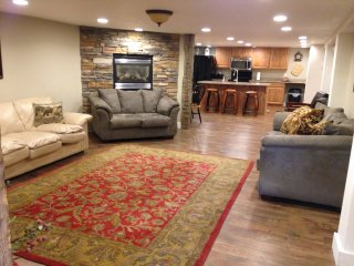 Elkhorn Condo - brand new, in Afton and sleeps 12!