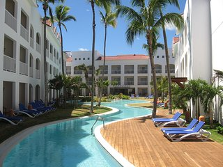 Presidential Suites Punta Cana - Lifestyle Vacation Resorts (1, 2, 3 Bedrooms)
