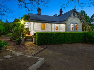 Plynlimmon-The Cottage At Kurrajong 1860 Heritage Listed Luxury B&B