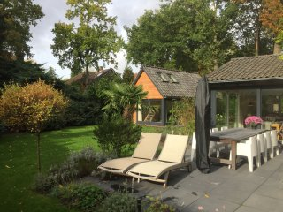Family chalet in the forest close to Amsterdam & 's-Hertogenbosch