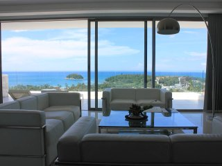 Gorgeous Hillside Villa 2BR w/ Panoramic Bay View