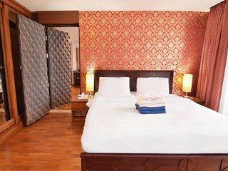Joing sound proof door to the next studio, perfect large 2 bedroom 2 bath suite
