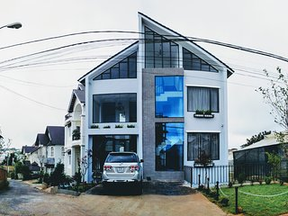 La Maison Grise _ a well hidden home stay in Dalat