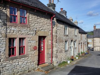 Cosy Cottage in the Beautiful Derbyshire Dales, Peak District