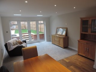 3 Bedroom near Farnborough Airport Accommodation