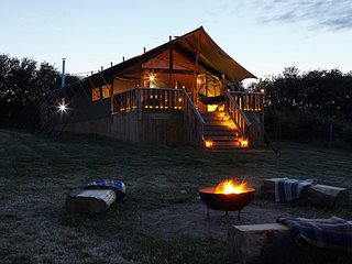 4 x Super Stylish Safari Tents - Spacious & Secluded - Glamping The Wight Way