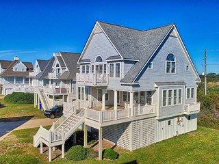 Island Drive 4340 Oceanfront-B Lot! | Internet, Community Pool, Jacuzzi