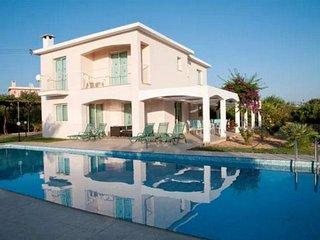 Villa Agiou Georgiou Ennea