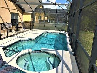 4 Bedroom Executive Villa in Exclusive Resort Close to Disney