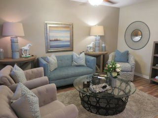 ONE WILTON FLATS 2 bed/1 bath.  Shared pool