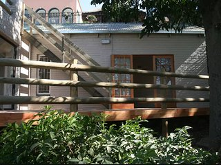 Kosmos Cottage, Hartbeespoort (Sleeps 4)