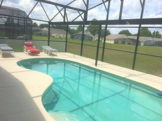 Closed to Disney family home & private pool in gated community