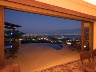 Gorgeous Home with incredible views of the bay and mountains and infinity pool