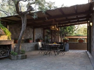 Lovely Villa in Exclusive Area!