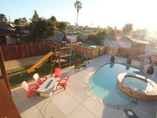 Blocks From The Beach! Newly Remodeled!
