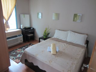 Condo - 2 Br - One Central Park - Eastwood City- Quezon City / Manila - Sleeps 5