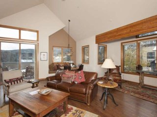Best Views on Main St.- Private Balcony, Open Plan Spaces, Fireplaces in Living