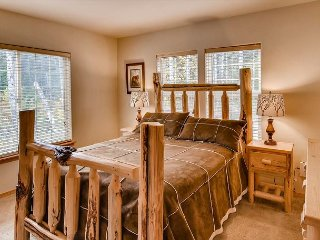 Cozy Cabin Near Suncadia|2BR+Large Loft, Slps 8| Hot Tub