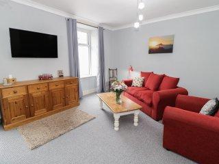 K&S APARTMENT, open plan dining, pet friendly, family friendly, in Pwllheli