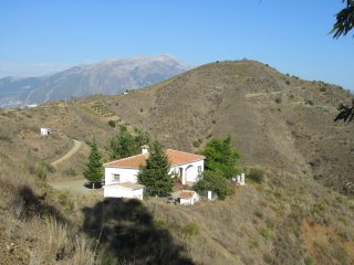 Villa Verman- magnificent views of both the Mediterranean and Lake Vinuela.