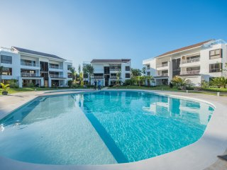 THE SAND DOLLAR - MODERN 2 BED CONDO - PLAYA BONITA, LAS TERRENAS