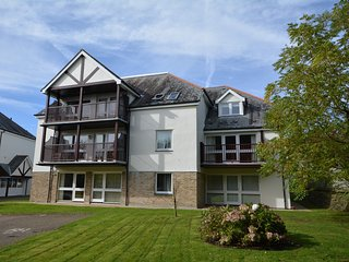 CARLP Apartment in Carlyon Bay