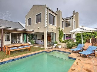 (DEC/JAN AVAILABILITY) MILKWOOD HOME WITH SWIMMING POOL