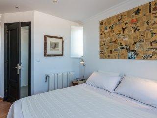 PICASSO, camera doppia con letto matrimoniale (150x190) e bagno privato en suite con doccia.