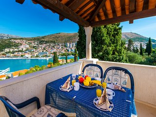 Modern 2 Bedroom Apartment with amazing Sea View in the center of Dubrovnik
