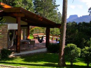 Casa em condomínio fechado com vista para Pedra do Baú