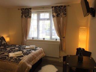 Master bedroom R1
