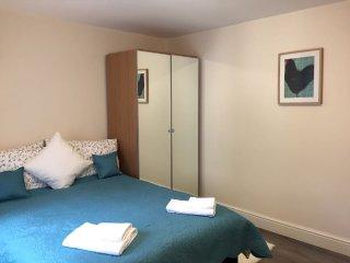 Private double en-suit room R2