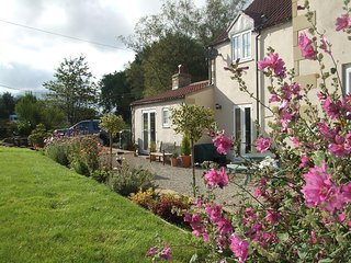 ASHFIELD GARDEN ROOM accommodation near Pickering.  Sleeps 2 Adults