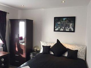 Double en-suit room R6