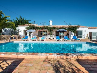 A superb Four bedroom, four bathroom Villa in a quiet country location with a pr