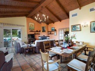 Bonito villa de 4 dormitorios entre la cala de Mijas y Fuengirola, Entrerrios