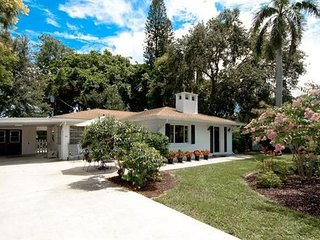 Perfect Venice Island 2+2 Vacation Rental close to downtown and the beach!