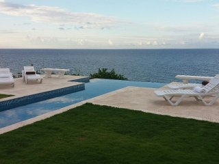 LaCaye - Waterfront villa, close to Ocho Rios