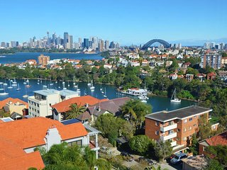 FABULOUS VIEWS 1BED PARKING NBN