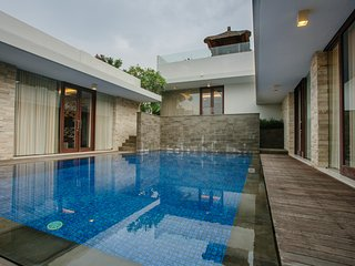 Luxury 3 Bedroom Villa in Nusa Dua