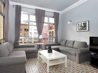 Big & Stylish flat in BCN centre