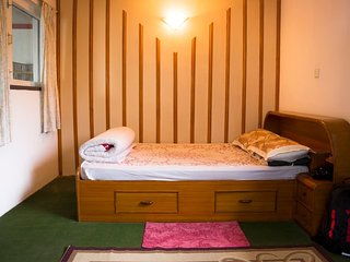 Homestay in a Peaceful BHK Unit - DeepDream Apartments