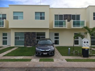 Brand new house with pool 10 min away from the beach