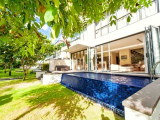 Gorgeous & Modern 2-BDR Private Pool Villa In Walking Distance to Beach & Golf