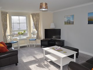Delightful, quiet 2-bed flat in the city centre