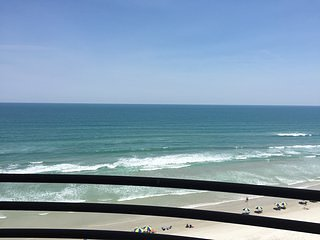 FL EAST COAST Direct Oceanfront Condo 2/2 Great Amenities -FreeWiFi  NO RED TIDE