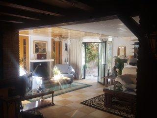 Apartamento con encanto tipo loft jardin y piscina