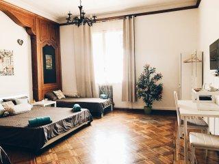 QUADRUPLA Room