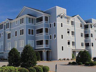 Sans Tan Lines- 3 Bedroom Vacation Condo in Manteo