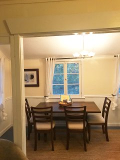 Dining room that can seat 6